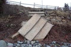 Steps to beach Strum 2 13 Apr 03